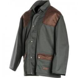 Veste de chasse verte épaules matelassées, traitement déperlant, tubes intégrés dans les poches, carnier ouvrable.